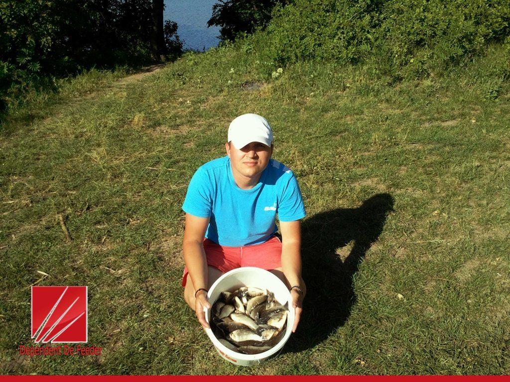 pescuit la camineasca - cu feederiul la caras