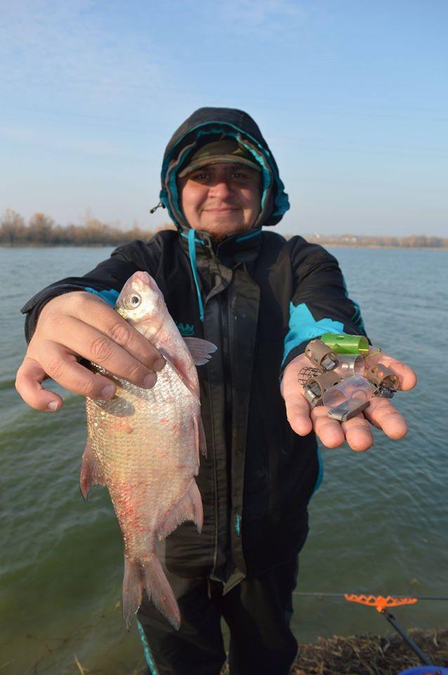 pescuit la feeder pe vant iarna